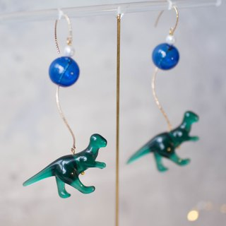 Dinosaur Blue Glass Bead Resin Twist Plated 14k Gold Wave Earrings