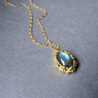 Delia flower sterling silver gold-plated pendant chain - blue labradorite