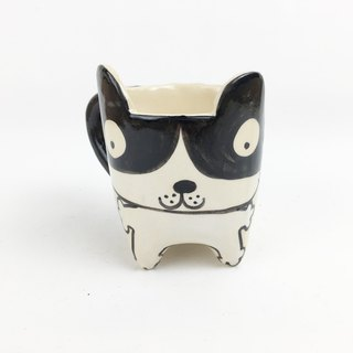 Nice Little Clay handmade ear cup black and white cat 0113-02