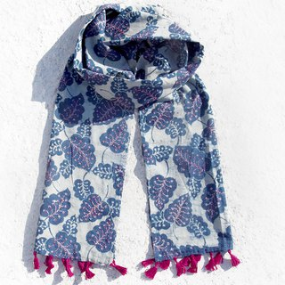 New Year gift birthday gift Valentine's Day gift limited a blue dye handkerchief cotton scarf / batik embroidery scarves / hand embroidery scarves / indigo hand-sewn cotton scarf - fresh forest hand-embroidered plant leaves
