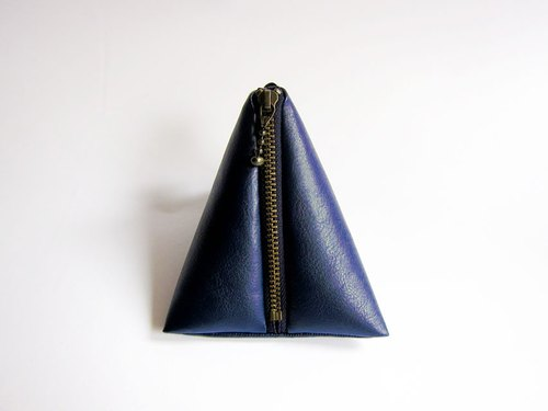 Simple artificial leather imitation leather dumplings bag / triangle bag / zipper bag / purse