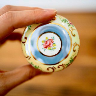 British mini porcelain jewelry box yellow round D