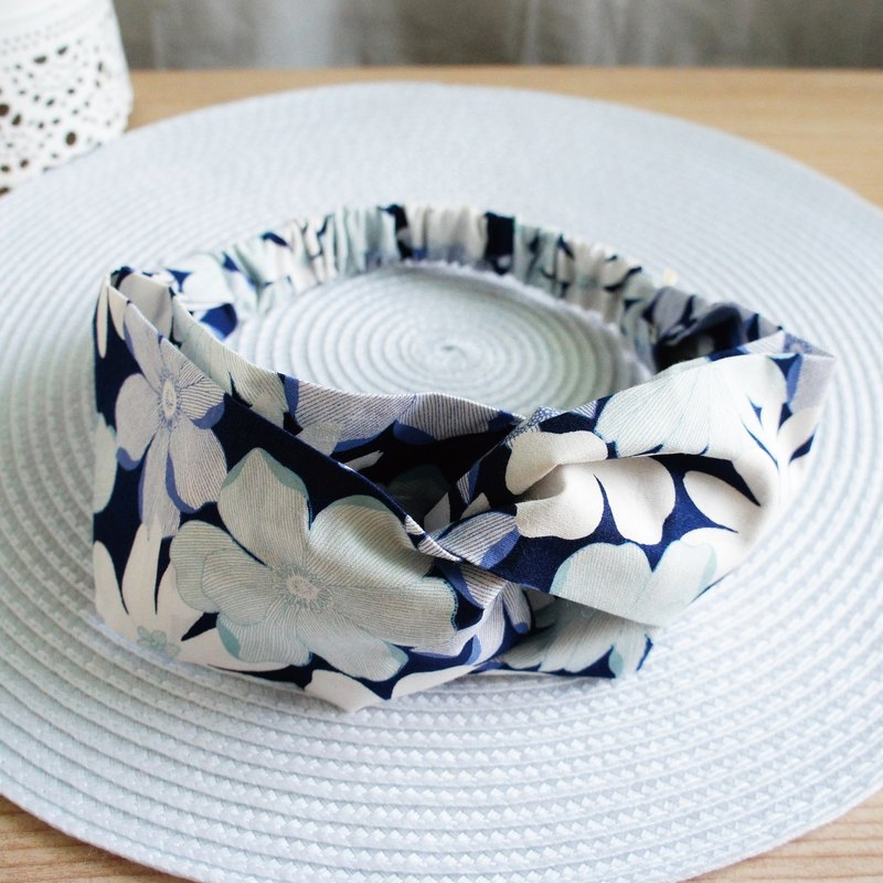 Lovely【Japanese cloth zen flower butterfly elastic hair band, hair ring】dark blue