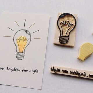 Postcard printed in the cover [hand] - Memorial small light bulb / light, love /