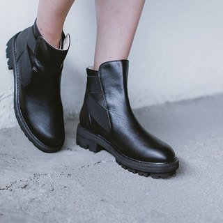 Bevel bandage round leather boots black