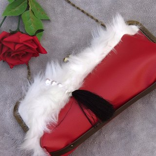 Charm with ☆ Fur and Pearl clutch bag red