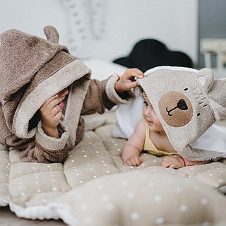 Hooded baby towel brown bear