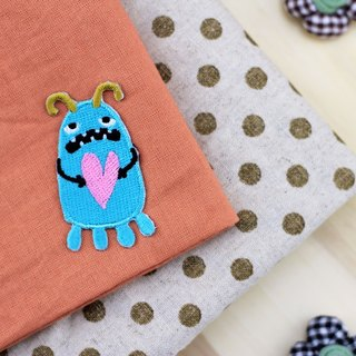 In fact, I am very loving self-adhesive embroidered cloth stickers - Monster Planet World Series