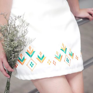 DOKKAEW Skirt (White with Orange)