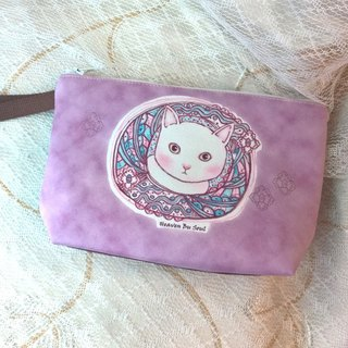 <Animals in the Secret Land> Curiosity of cats Clutch / Pouch