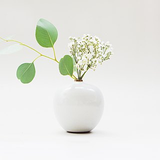 Handmade ceramic white mini flower - small apple