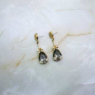 Elegant waltz vintage earrings (gray)