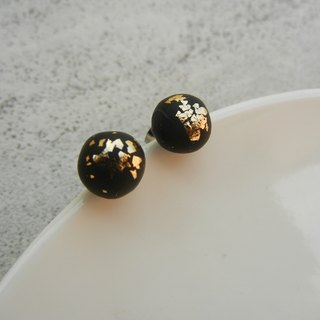*coucoubird*Black gold round earrings / ear pin