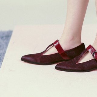 [Show products clear] hollow pointed horn buckle with pointed leather shoes red horse hair