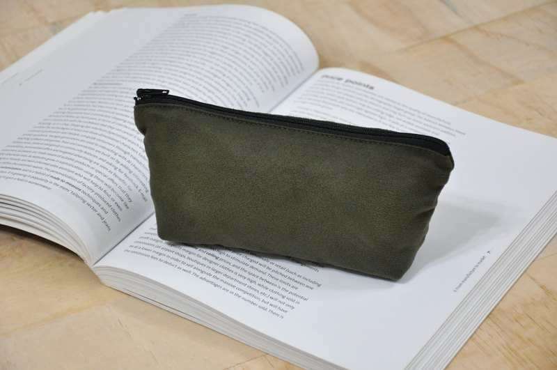 ENDURE / Army Green / Suede Material Stereo Pencil Case