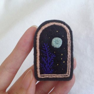 Fine Day Felt Embroidered Pin Brooch