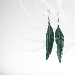 Leather Crave Earring Feather design - Pine