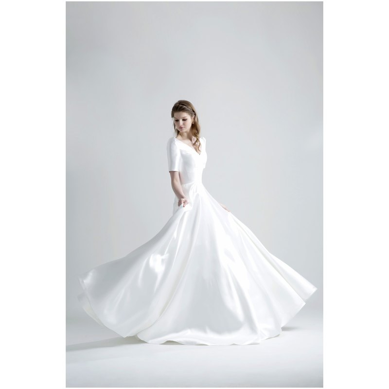 SAMPLE SALE RHEA Mikado silk wedding Dress