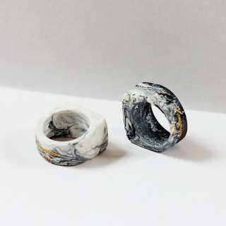 Limited edition - Black marble inspiration.