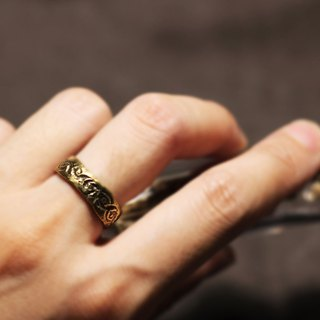 Lace texture brass ring