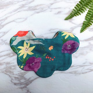 [Miya ko. groceries hand made] bib pocket six heavy yarn baby bib shape bib hand made bib flower