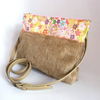 "Clutch shoulder bag with fake fur and Japanese pattern ""brocade"" 2WAY"