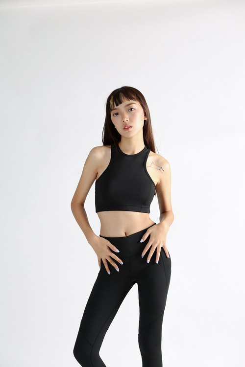 Ace crop in Charcoal