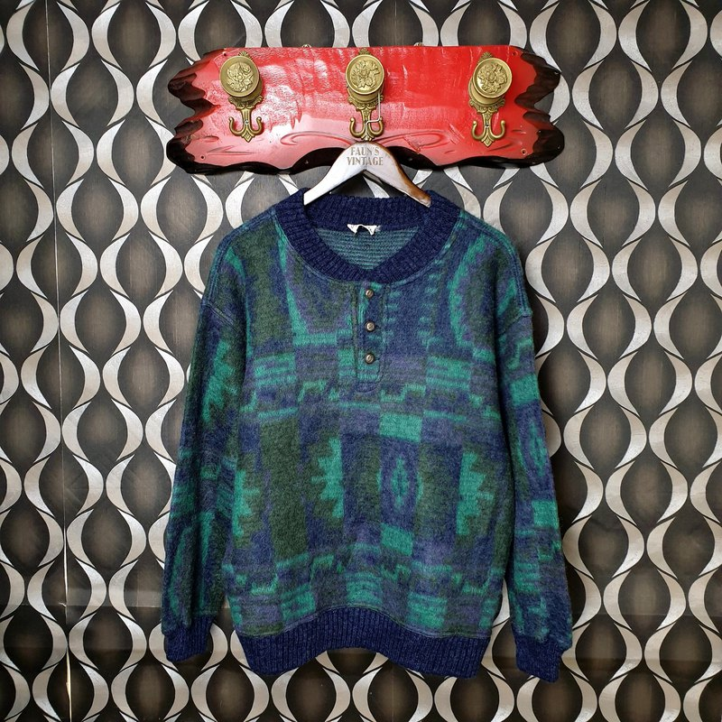 Little Turtle Gege - Italy - Deconstructed Indian Totem Pullover