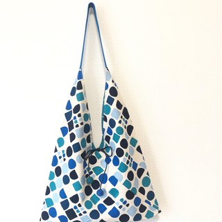 Japanese-style skull-shaped side bag / large size / blue small square