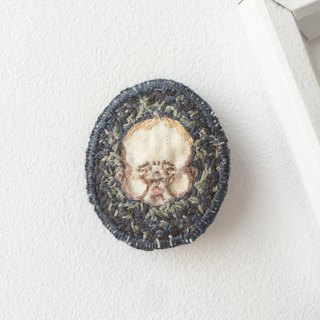 #01 Portrait of Child : Handmade Embroidery Brooch