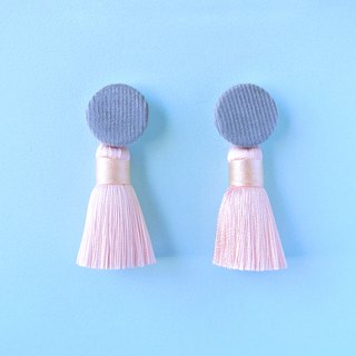 Grey corduroy round button / sakura tassel earrings