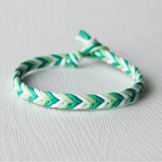 From shallow to deep - fine gradient blue green / hand-woven bracelet