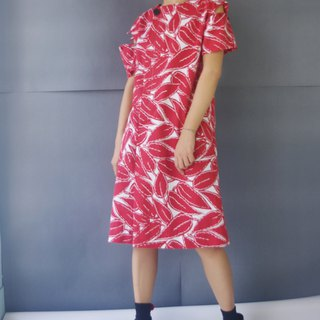 Handmade - red leaf print drop shoulder design collar collar dress