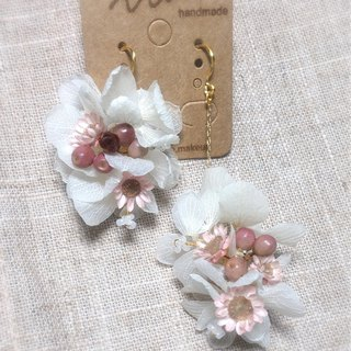 TING White Hydrangea (Pink) --- Dry flower earrings without earrings / ear clips / ear hooks