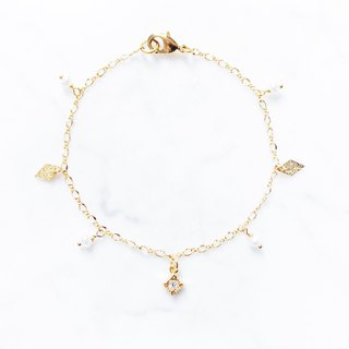 :: Girl Collection :: Classical Pearl Square Diamond Bracelet
