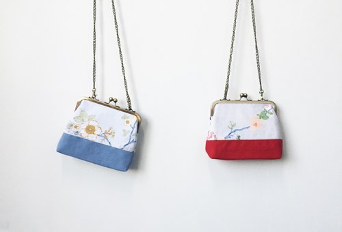 Wahr_Tree and flowers  clasp frame bag/with chain/ cosmetic bag / shoulder bag / small objects package / portable package