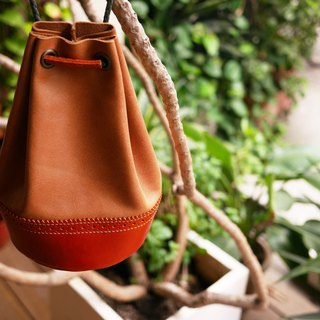 Classic Oxford Bucket Bag - Camel
