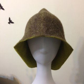 Wool felt tip cover ear cap (coffee + grass green)