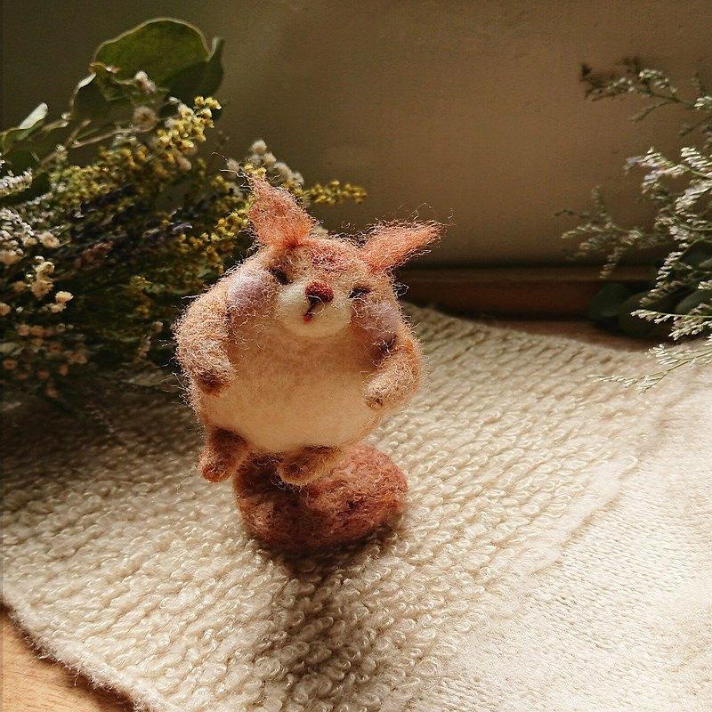 飛吧松鼠 羊毛氈娃娃  限量