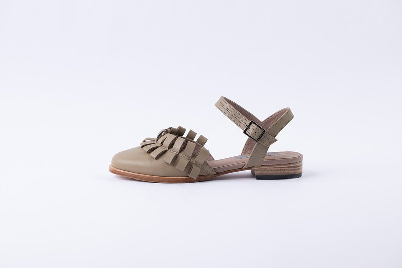 ZOODY / dome / handmade shoes / round toe flat sandals / khaki sheepskin