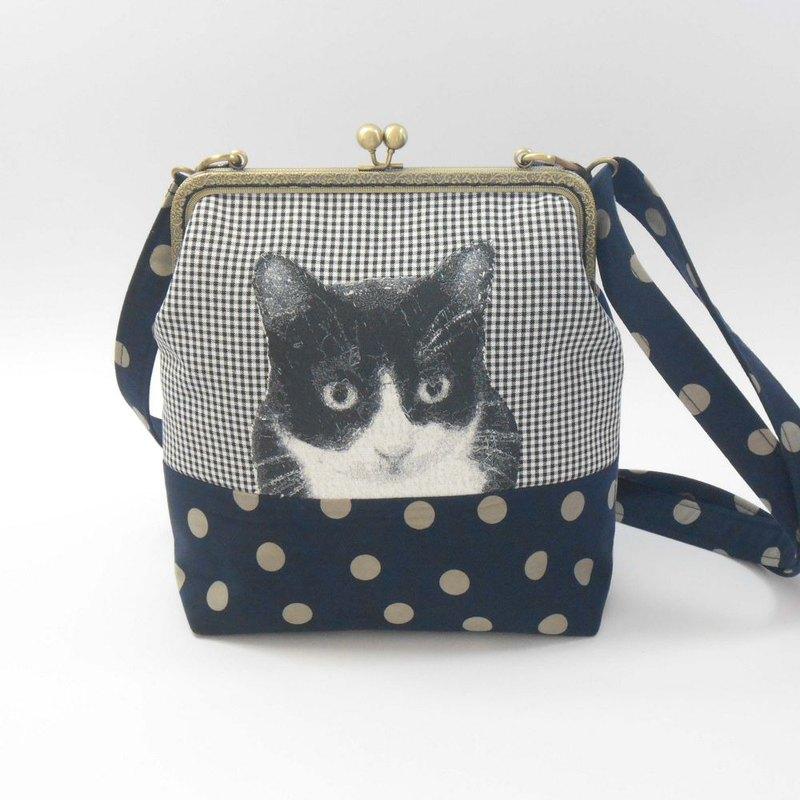 刺繡 20cmㄇ型口金斜背包13-黑白貓