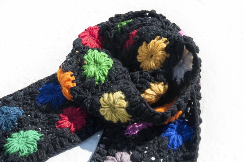 Handmade crocheted wool scarf / flower crocheted scarf / flower woven stitching wool scarf-black colorful