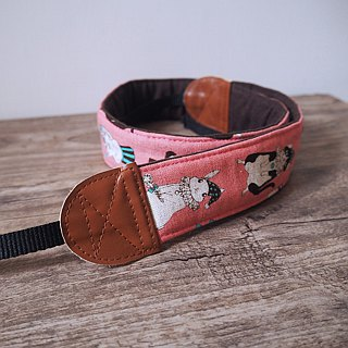 Hand-made decompression camera strap manual camera back rope camera strap (Pug and squirrel - peach powder) S25