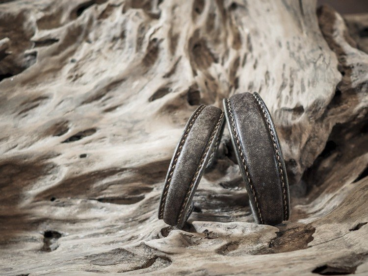 HEYOU Handmade - Leather Bangle - Grey