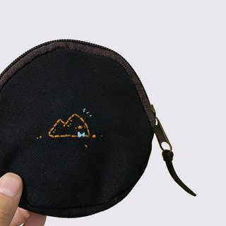 Poly sand tower / embroidered canvas coin purse
