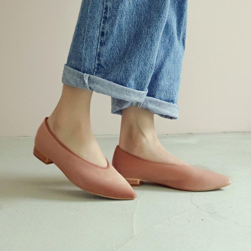 柔軟天鵝絨!曖曖光澤優雅尖頭鞋 粉 MIT --壓縮玫瑰