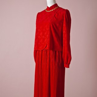 Positive red pleated skirt vintage dress