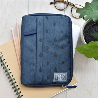 dark blue Ipad sleeve