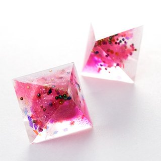 Pyramid earrings (pink and small)