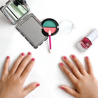 British [Miss Nella] children's water-based tear-proof safety nail polish - Macaron Cherry (MN09)